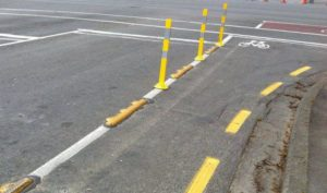 Желтая разметка на дороге по ПДД