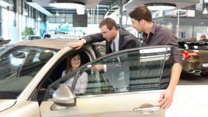 Нюансы получения автокредита на отечественные автомобили